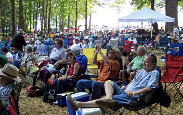 Crowdenjoymusic.jpg